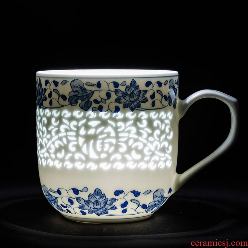 Jingdezhen ceramic tea cups and tea set to restore ancient ways household separation with cover the tea cups office of blue and white porcelain cup