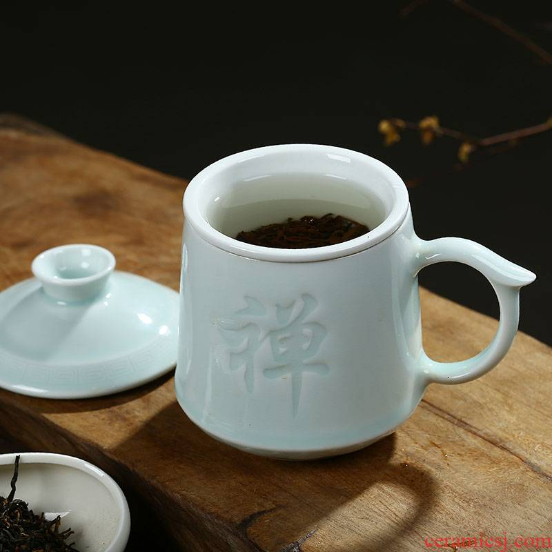 Jingdezhen ceramic cups with cover with filtering home office glass tea cup carving master cup gift cups