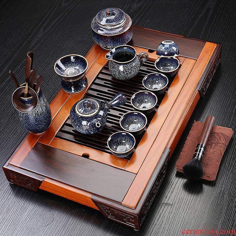 Red glaze ceramic tea sets suit the whole household small sets of kung fu tea set with solid wood tea tray cups suit
