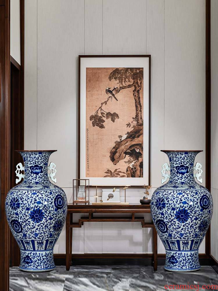 Jingdezhen ceramics hand - made archaize sitting room of large blue and white porcelain vase household adornment TV ark, furnishing articles