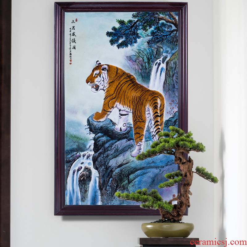 Jingdezhen ceramics decoration hand - made pastel roars figure sitting room background wall hangs a picture porcelain plate painting murals murals