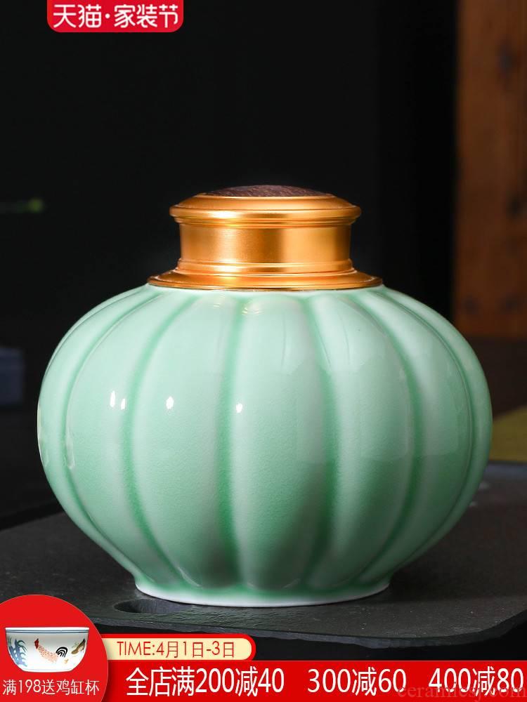 Jingdezhen tea pot ceramic seal moisture home half a catty of tea sets tea warehouse large tea storage tanks