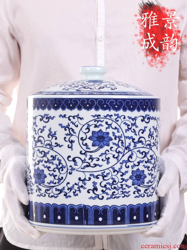 Jingdezhen ceramic POTS sub storage tanks large household adornment storage with cover pot rice caddy fixings is received