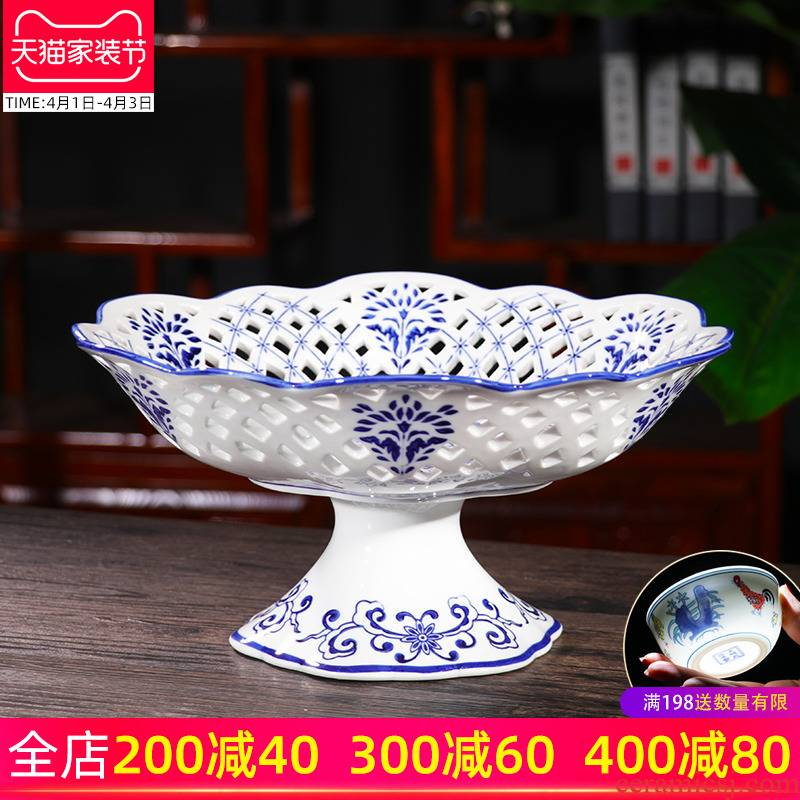 New Chinese style household furnishing articles manually blue and white porcelain of jingdezhen ceramics high fruit bowl sitting room tea table decorations