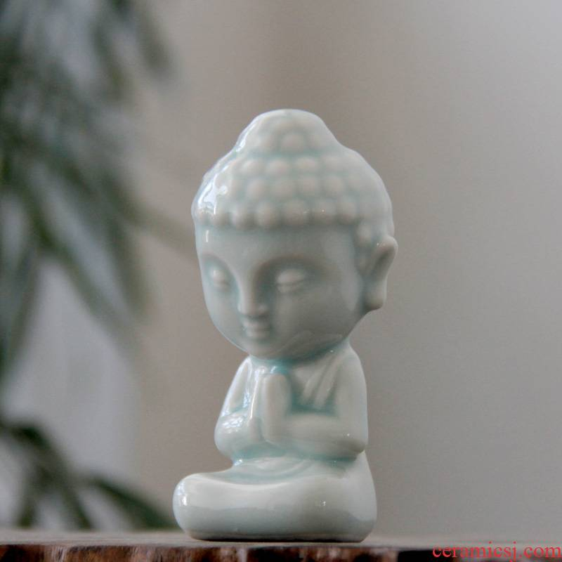 Small rain shadow green tong household ceramics bodhisattva statues creative sculptures vehicles act the role of furnishing articles pet elves tea aroma