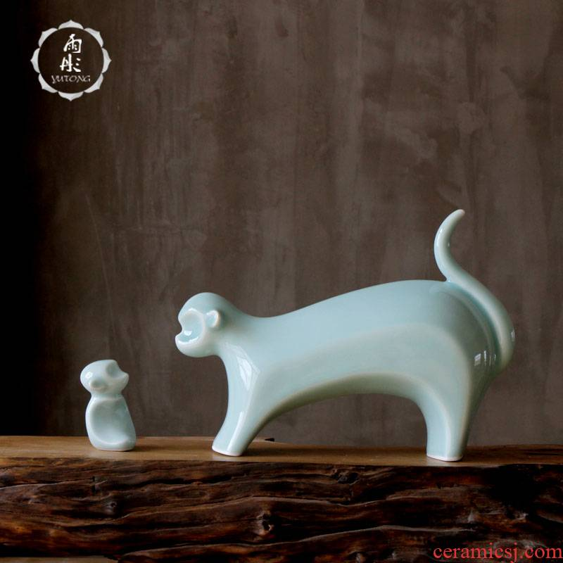 The rain tong home | shadow green craft porcelain of jingdezhen ceramics monkey sitting room ceramic household adornment furnishing articles