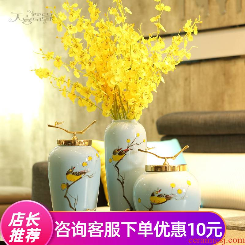 The New Chinese jingdezhen ceramic plug-in vase furnishing articles modern American household wine sitting room adornment dried flower bottles