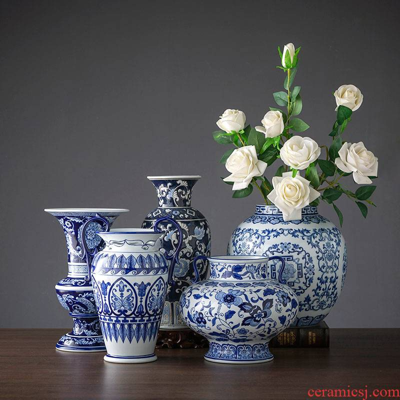 Jingdezhen ceramic blue and white porcelain vase furnishing articles furnishing articles flower arranging rich ancient frame TV sitting room ark type ceramic jewelry