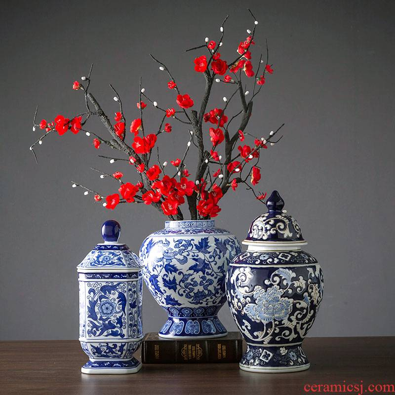 Blue and white porcelain vase furnishing articles living room jingdezhen ceramic bottle furnishing articles the new Chinese rich ancient frame of Blue and white porcelain porcelain