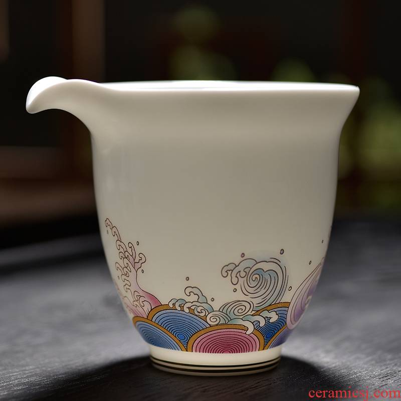Large points tea exchanger with the ceramics fair gold colored enamel cup white porcelain tea sea 200 ml jade porcelain cups of tea accessories