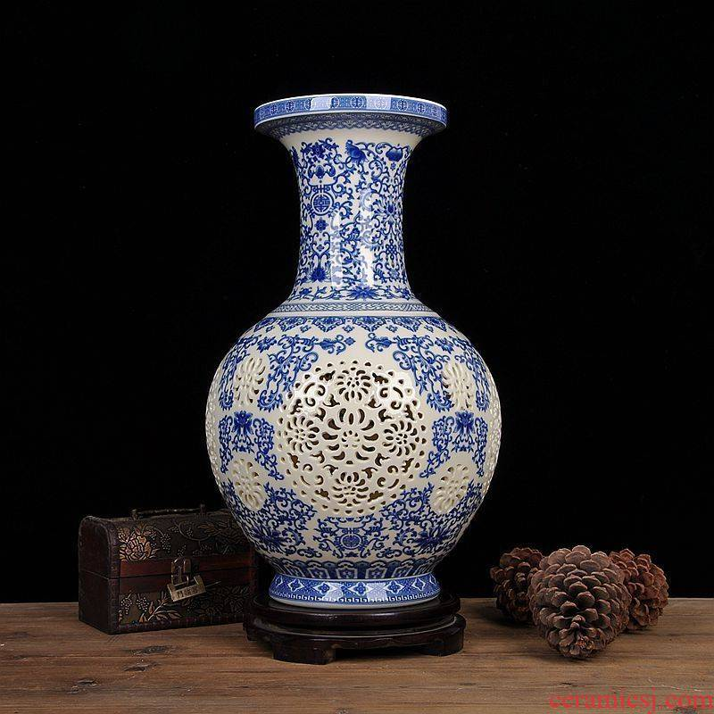 Scene, jingdezhen ceramic vase furnishing articles furnishing articles fashion hollow - out the vase household crafts [large]