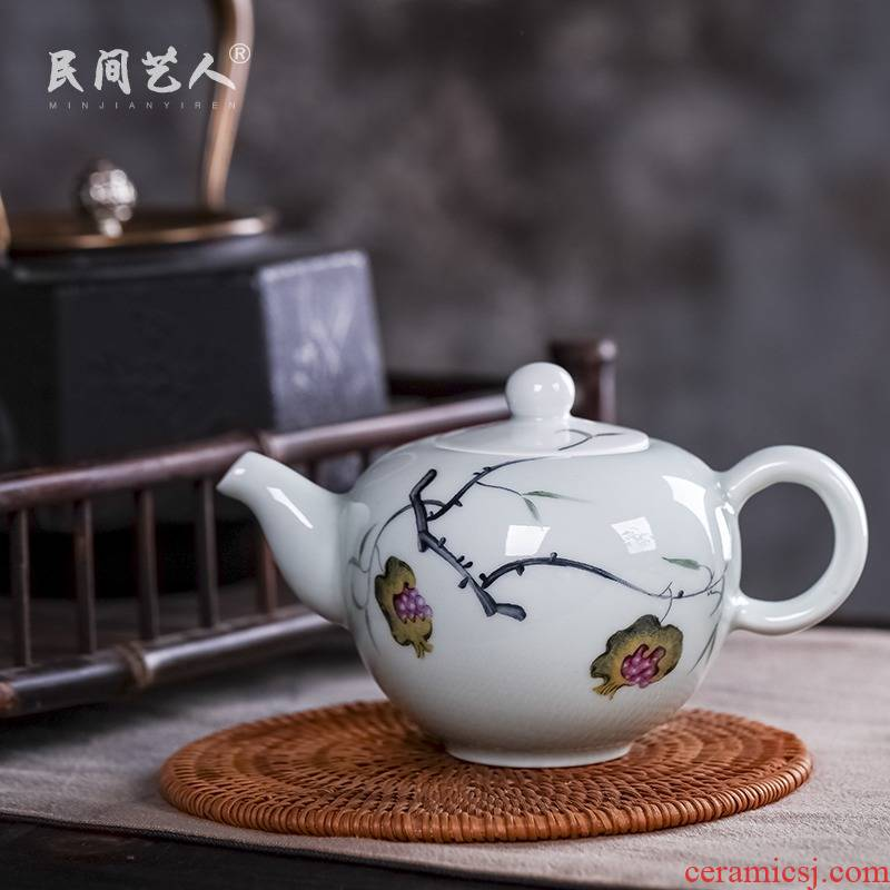 Jingdezhen ceramic hand - made celadon kung fu tea set manual tea single pot of pu - erh tea tea kettle with tea
