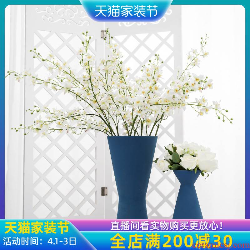 The New Chinese jingdezhen ceramic vase mesa place simulation flowers, artificial flowers decorate the sitting room between example villa