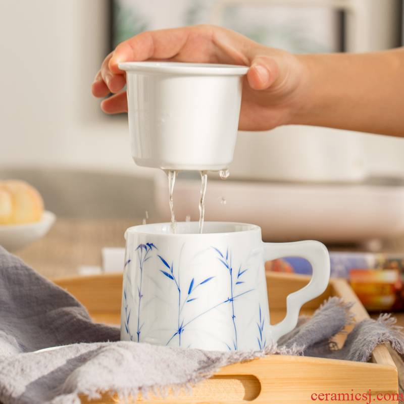 Poly real (sheng mugs hand of jingdezhen blue and white porcelain office cup of manual coloured drawing or pattern glass home with cover filter cups