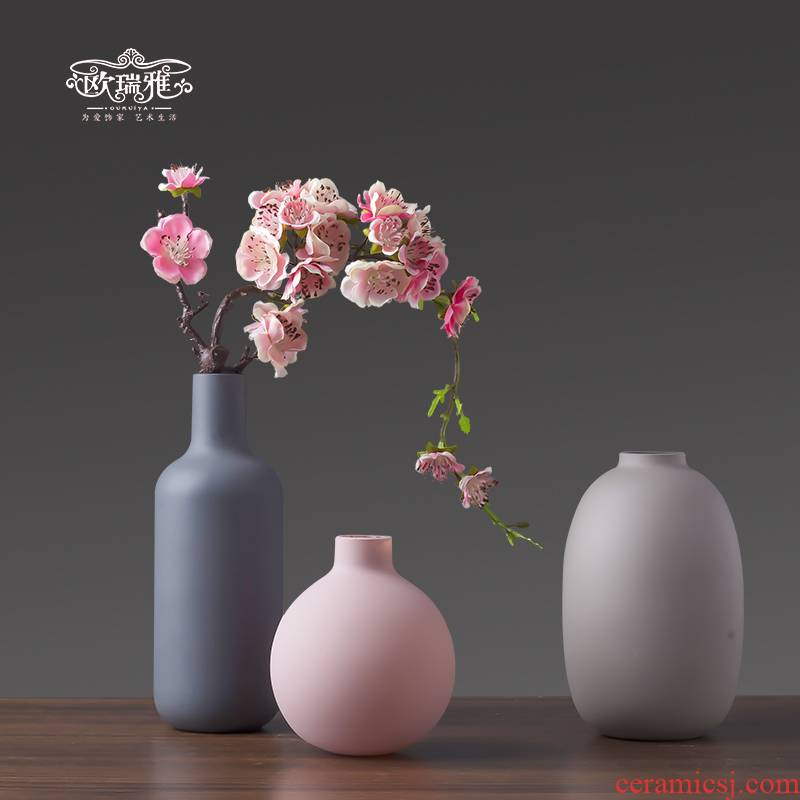 The Nordic contracted morandi glass ceramic vase furnishing articles sitting room porch decoration bedroom TV ark, restaurant