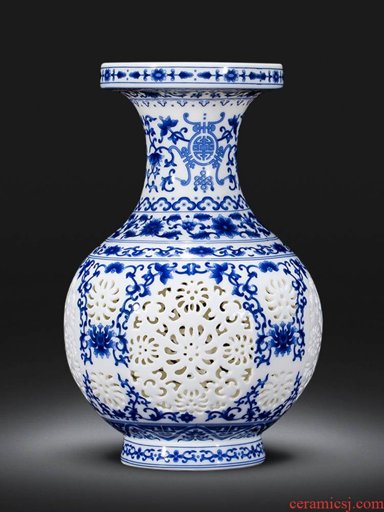Blue and white porcelain of jingdezhen ceramics floret bottle furnishing articles rich ancient frame sitting room adornment of Chinese style household Chinese wind arranging flowers