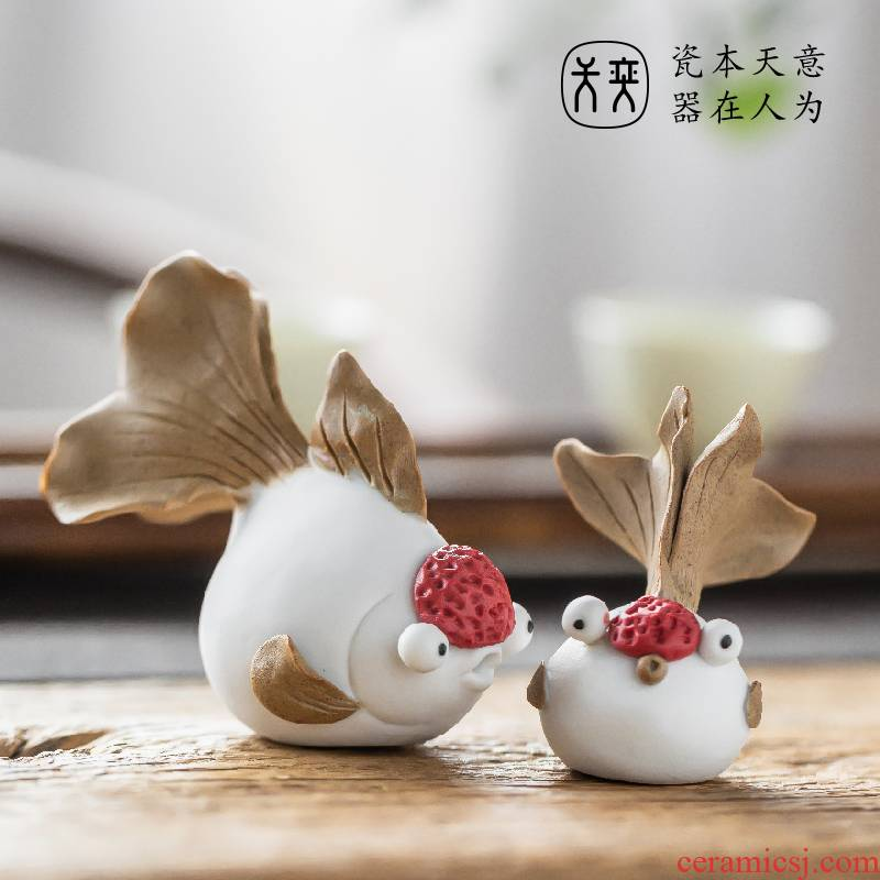 Much luck day yi tea pet furnishing articles ceramic products can raise the pledge play tea tea tea lucky red goldfish