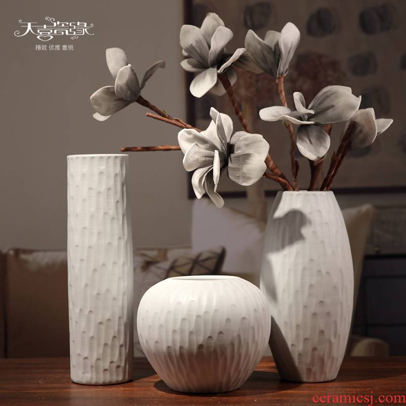 Jingdezhen ceramic vase furnishing articles furnishing articles I and contracted household white flower arranging the sitting room the table dry flower decoration