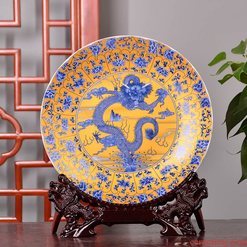 Jingdezhen ceramic decoration plate hanging dish in yellow dragon decorative furnishing articles Z080 household act the role ofing is tasted, the sitting room porch arts and crafts