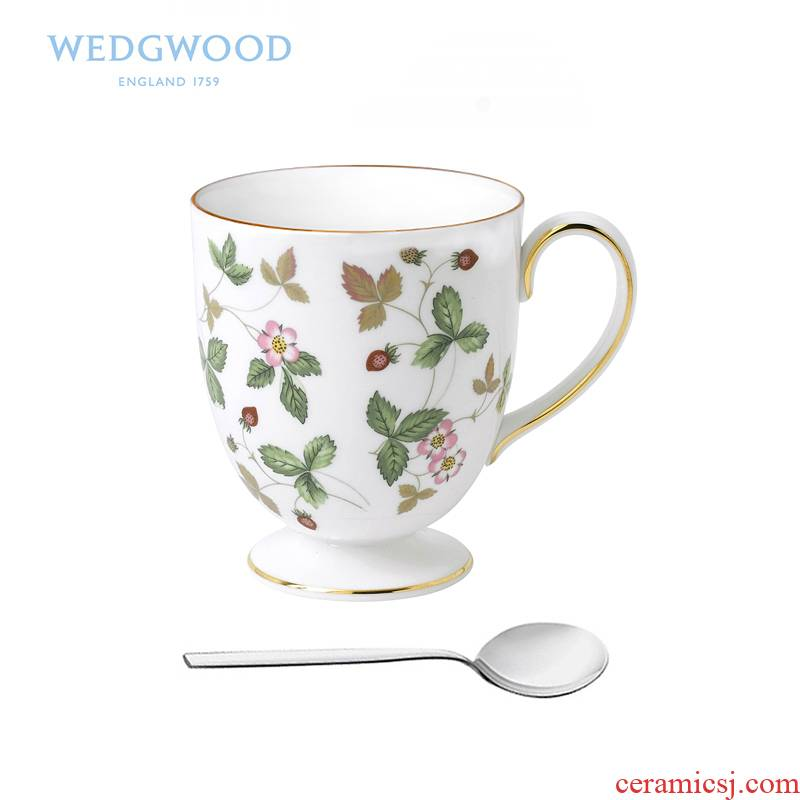 Wedgwood Wild Wild strawberries ipads porcelain high mark cup + WMF spoon is produced with a cup of milk cup