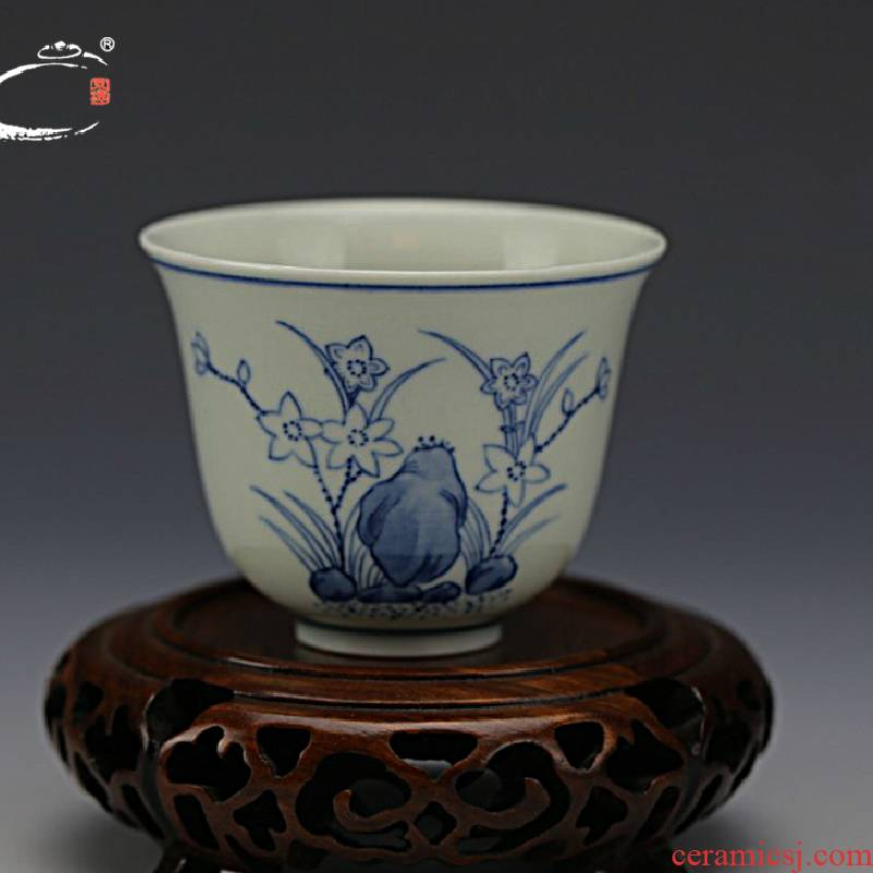 And auspicious jing DE treasure admiralty cup of jingdezhen blue And white porcelain cups master hand bowl sample tea cup masters cup