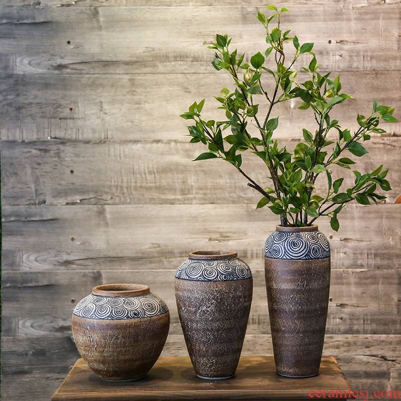 Coarse pottery vase mesa jingdezhen industrial wind restoring ancient ways flower earthenware jar creative ceramic sitting room adornment is placed