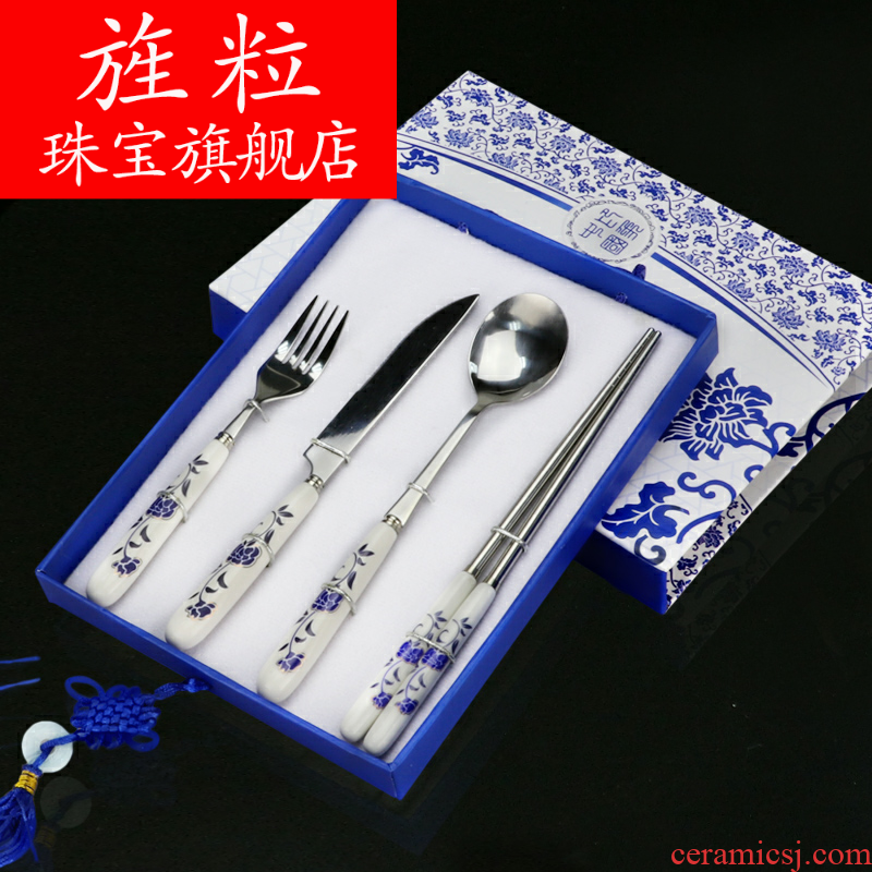 Continuous blowy expanse of blue and white porcelain tableware the memory of Chinese wind characteristics of traditional arts and crafts gift to send the old foreigners to go abroad