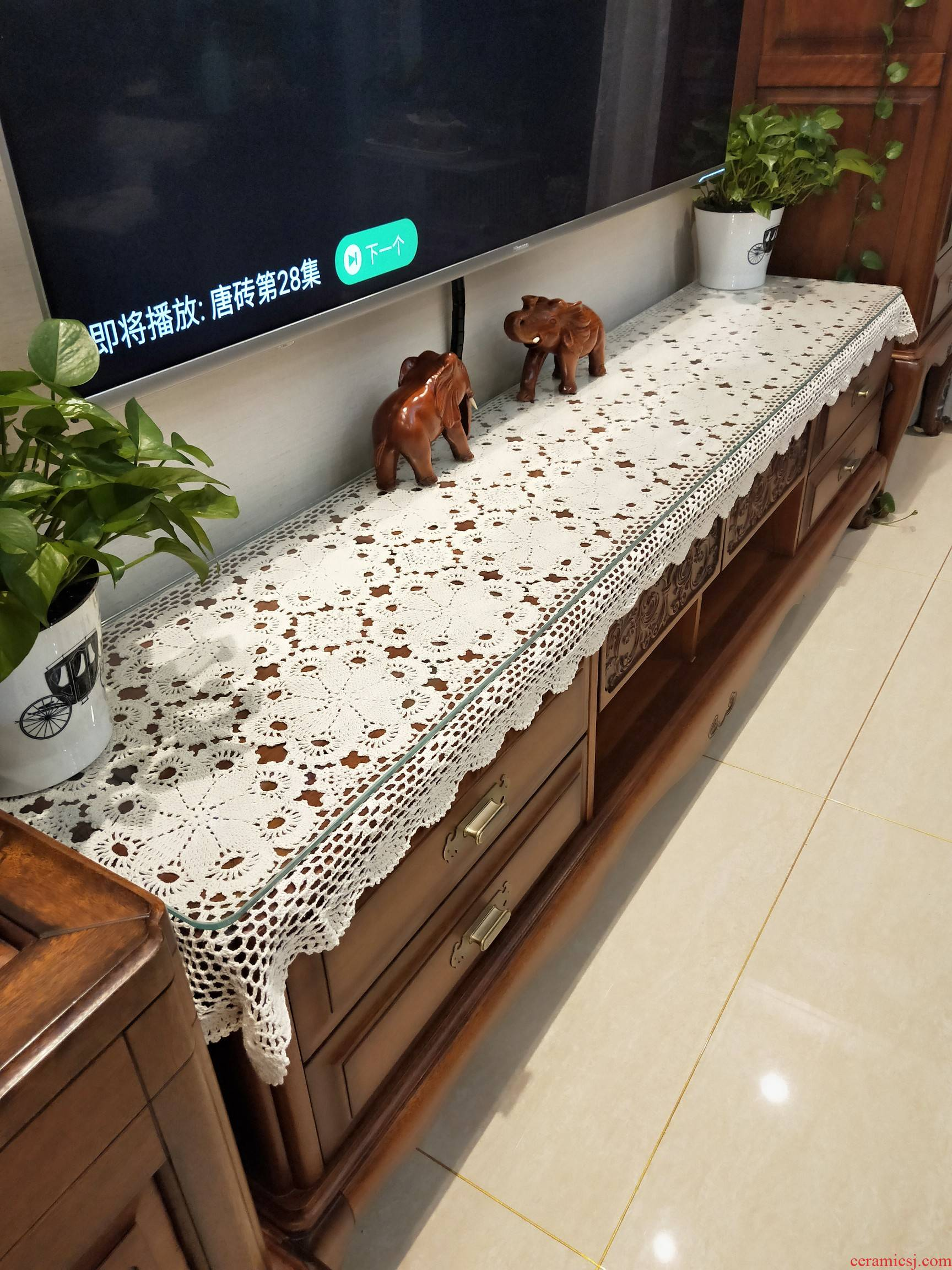 Manual knits northern Chinese style restoring ancient ways to hollow out table, TV cabinet decoration cover rectangular antependium cloth table flag