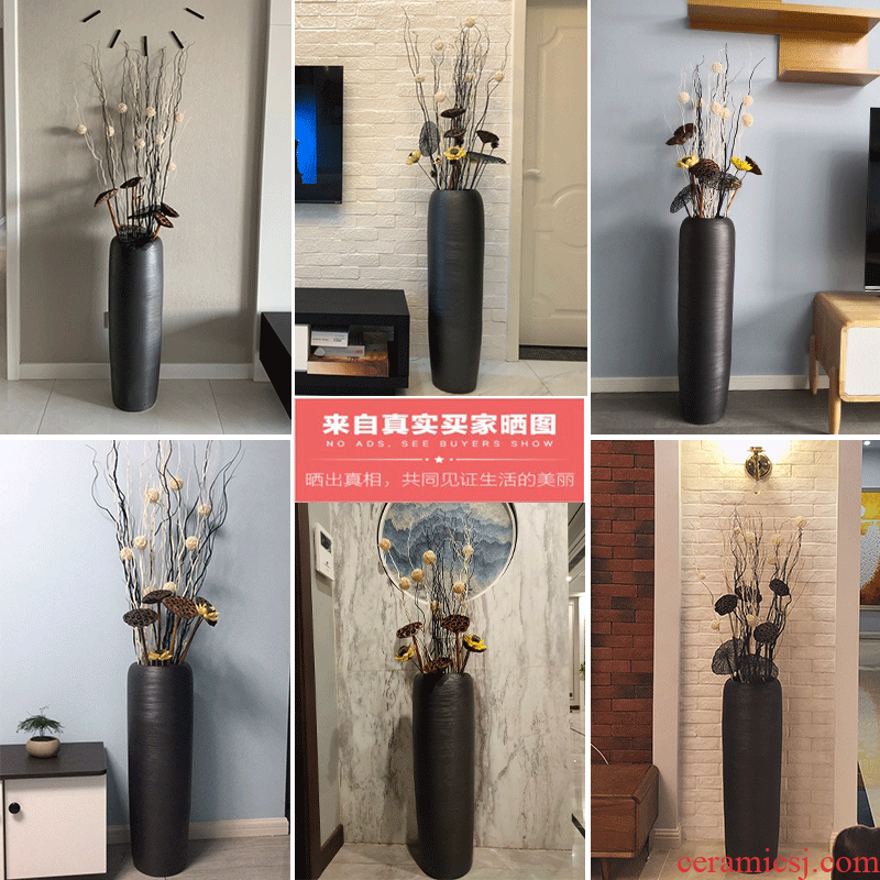 Ceramic retro high bottle arranging flowers is placed near the sitting room TV ark, vase landed dried flowers large north European style originality