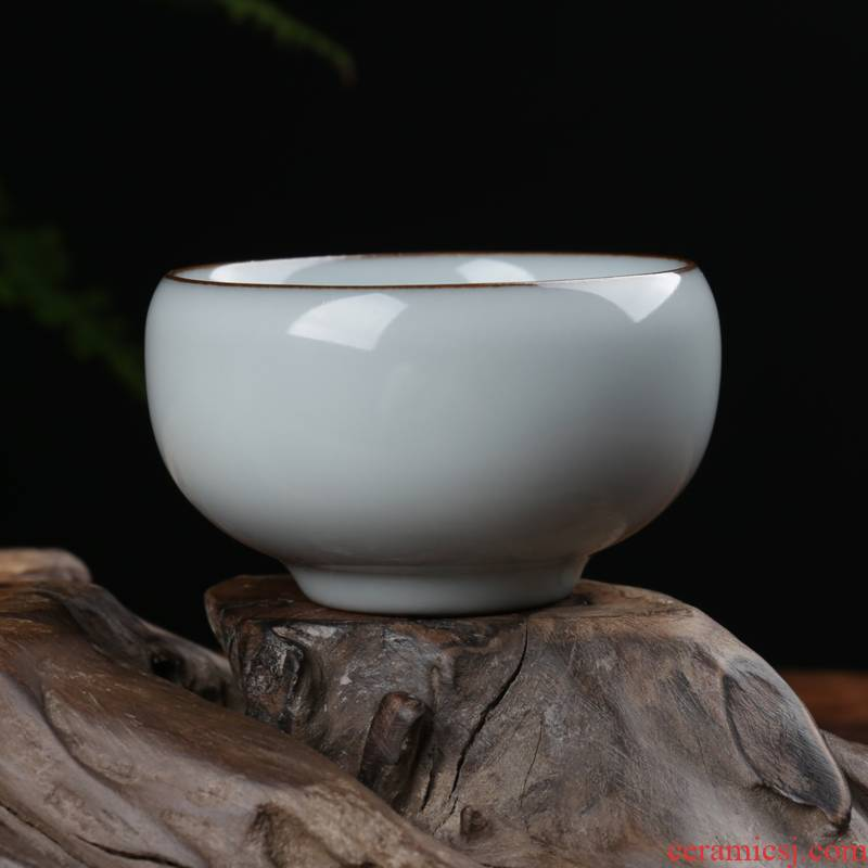 Get together scene scene celadon dark bluish grey glaze kung fu tea cups elder brother up tire iron masters cup ceramic sample tea cup Wang Wu small tea cups