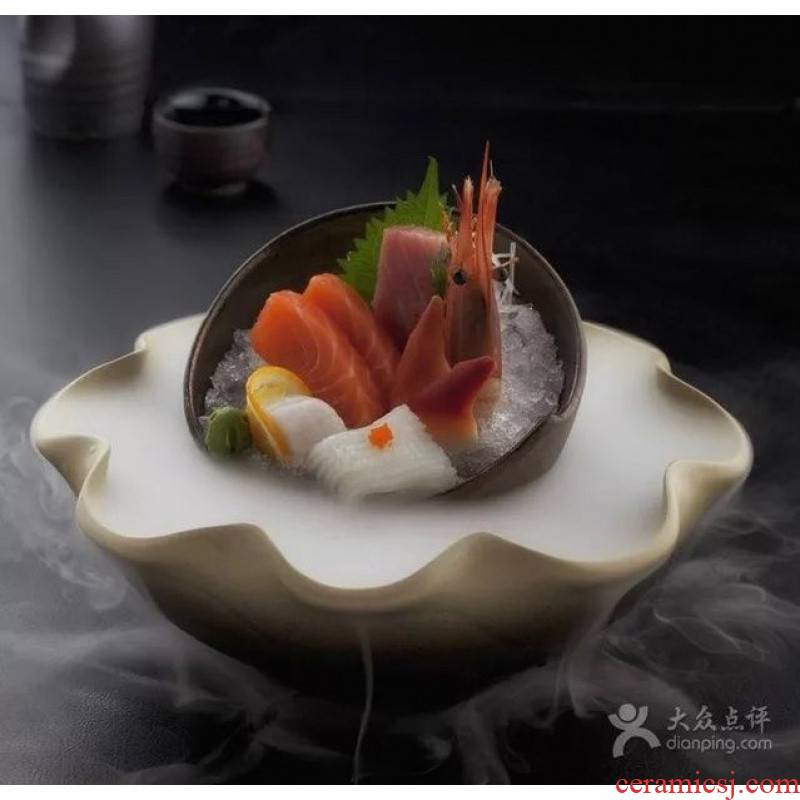 Dry ice sashimi dish dish lotus hotel creative artistic conception Japanese restaurant fruit bowl ceramic tableware move characteristics