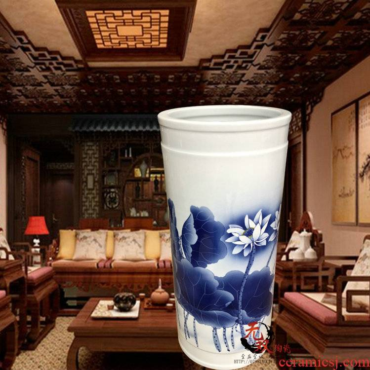 Pottery and porcelain vase landing quiver sword barrel self - flowing classical painting and calligraphy tube celebrity virtuosi hand - made porcelain lotus
