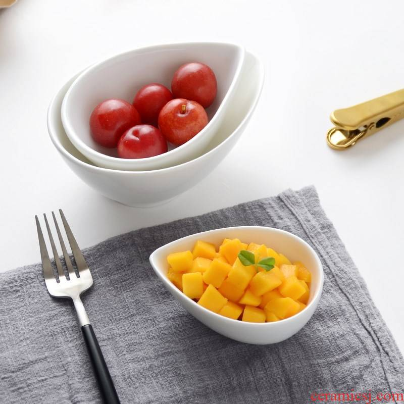 Pure white ceramic paste disc hotel tableware baking bowl dessert pudding bowl bowl caviar disc small sauce bowl of water
