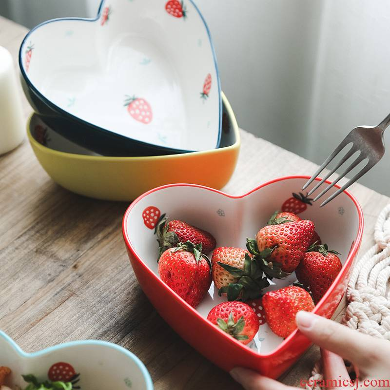 Bowl of strawberries love Japanese creative lovely salad dessert Bowl of individual household ceramics baked red Bowl net the breakfast table