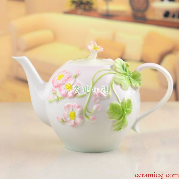 Ceramic teapot KaiShuiHu coffee pot decorated under the glaze the teapot relief household hand ran large capacity milk tea pot bag in the mail