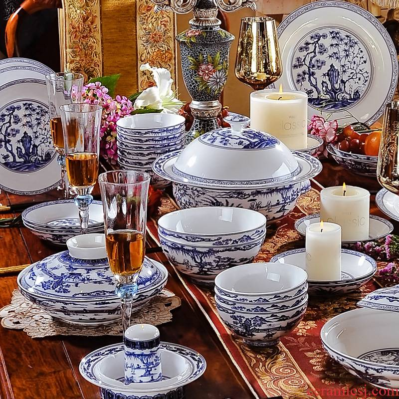 60 head antique Red xin jingdezhen blue and white porcelain ceramic tableware suit the fierceness of the classical Chinese style tableware