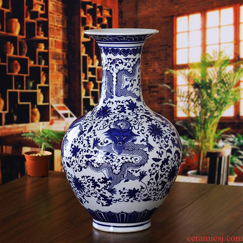 Dragon born large vase of blue and white porcelain of jingdezhen ceramics household act the role ofing is tasted furnishing articles sitting room hotel company