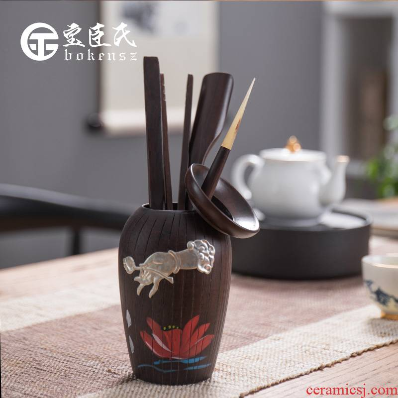 Treasure the minister 's black rosewood tea six gentleman' s suit solid wood tea accessories kung fu tea set YangHuBi ChaZhen. A key