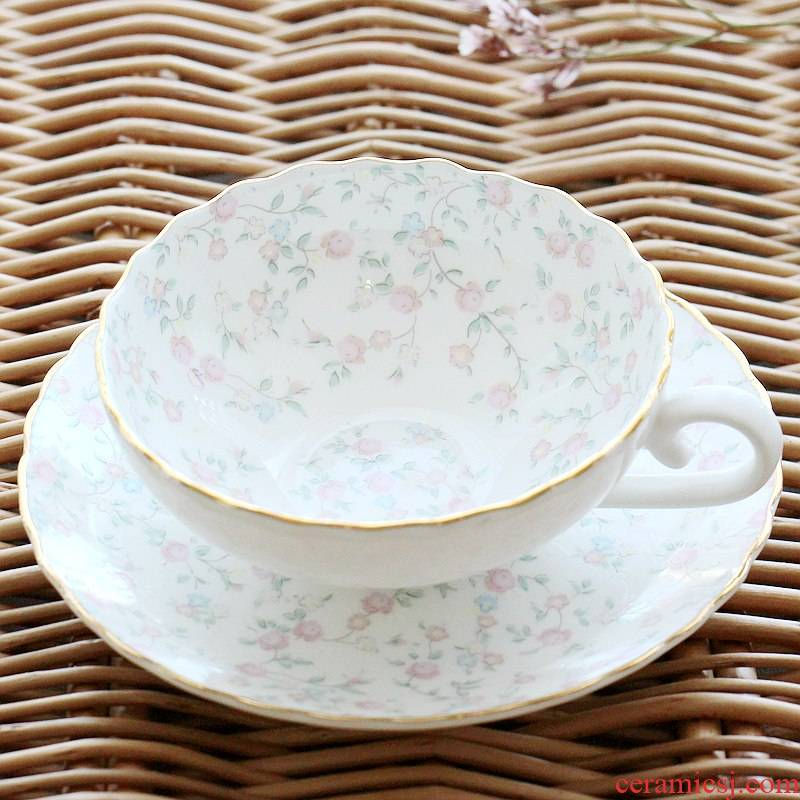 Coffee cup suit European ipads porcelain lotus Coffee cups and saucers British lipstick rural wind afternoon tea tea cups