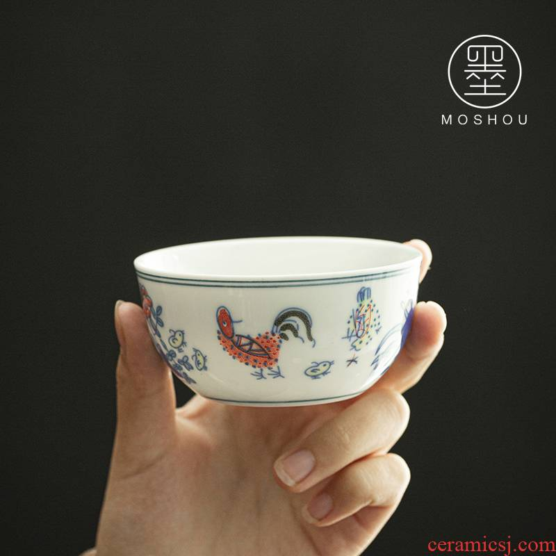 By chicken cylinder cup of blue and white porcelain tea cups porcelain hand - made kung fu tea bowl sample tea cup white porcelain cup host