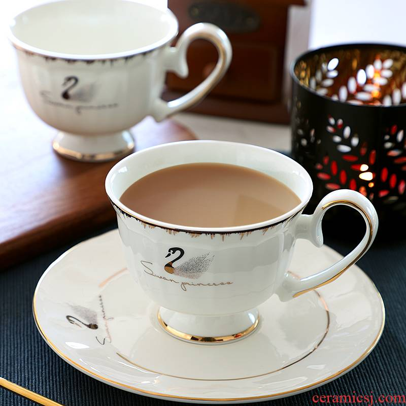 Ipads China coffee cups small European - style key-2 luxury mugs suit household light delicate ceramic cups and saucers modern key-2 luxury afternoon tea