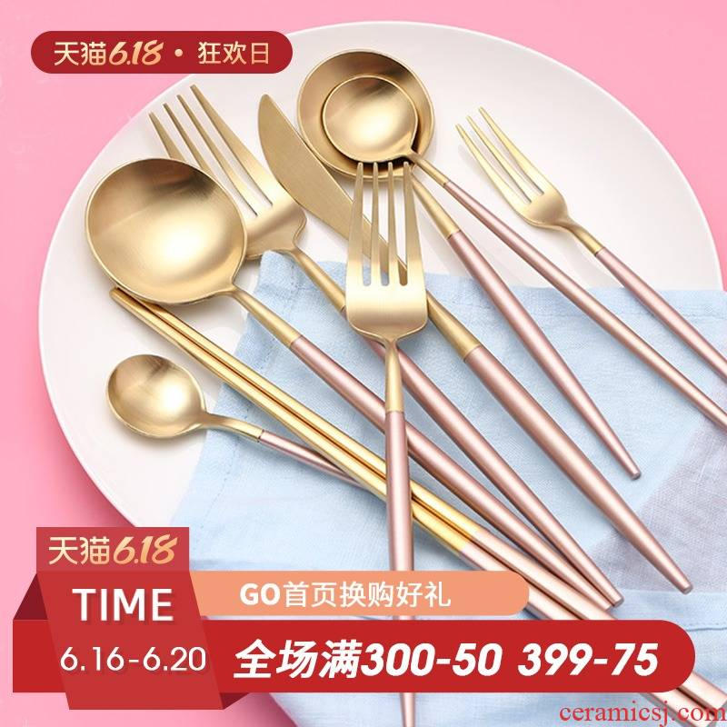 The Fijian trent steak knife and fork spoon, three - piece 304 thickening high - grade stainless steel western - style food tableware. A full set of home
