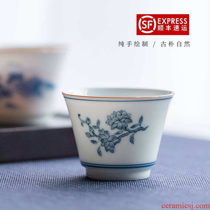 The Escape this hall ceramic cups master cup of jingdezhen blue and white sample tea cup hand - made scenery kung fu tea cups single CPU