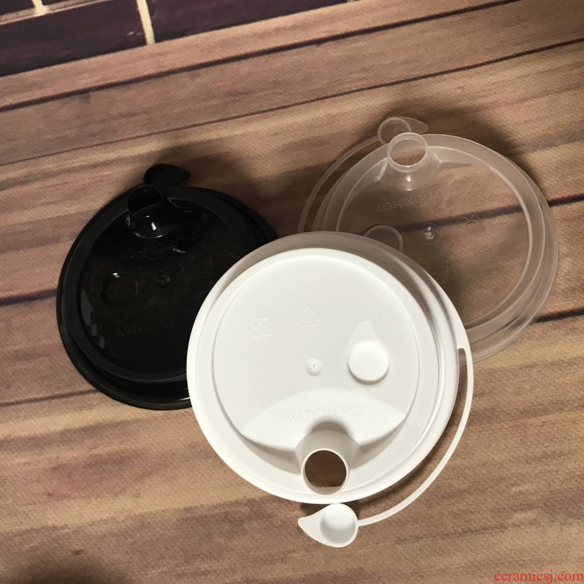 90 caliber one - time leakproof conjoined lid take - out packaging milk tea cover cups leakproof cover plastic cover package mail
