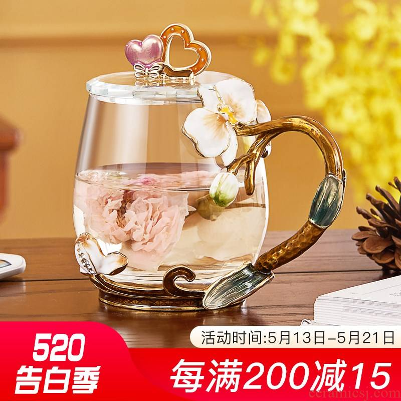 The European colored enamel glass female creative flower tea cups transparent coloured glaze glass crystal glass cups move trend.