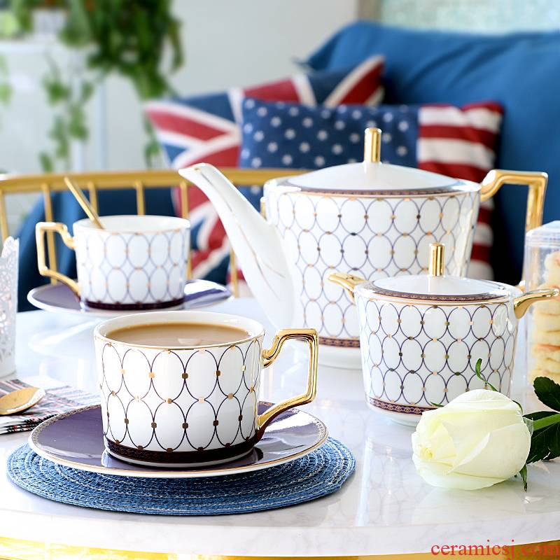 European style afternoon tea tea set suit English coffee cup gold plated ipads porcelain teapot home coffee set with a small key-2 luxury