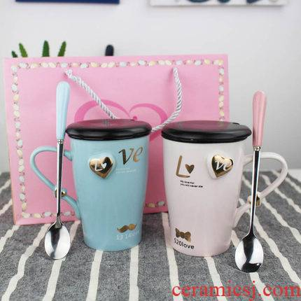 Creative ceramic water cups with cover glass couples run to send a cups of gift box suit to Mary a birthday present