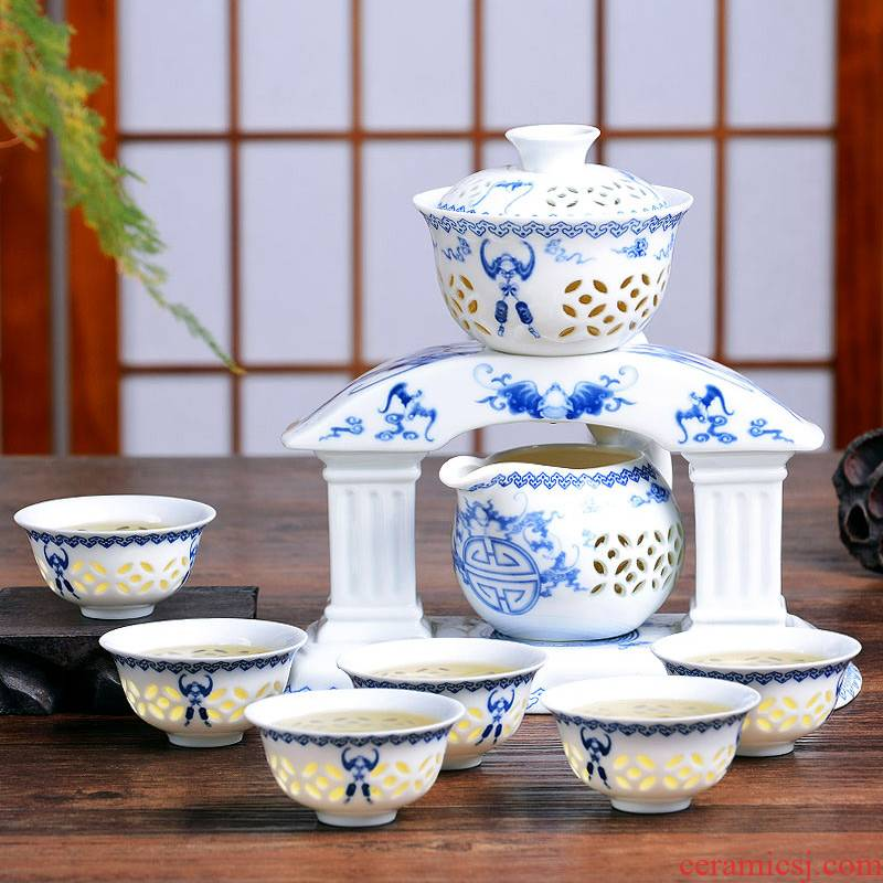 HaoFeng tea service of a complete set of automatic kung fu tea sets the see colour white porcelain kung fu tea set of blue and white porcelain tea set