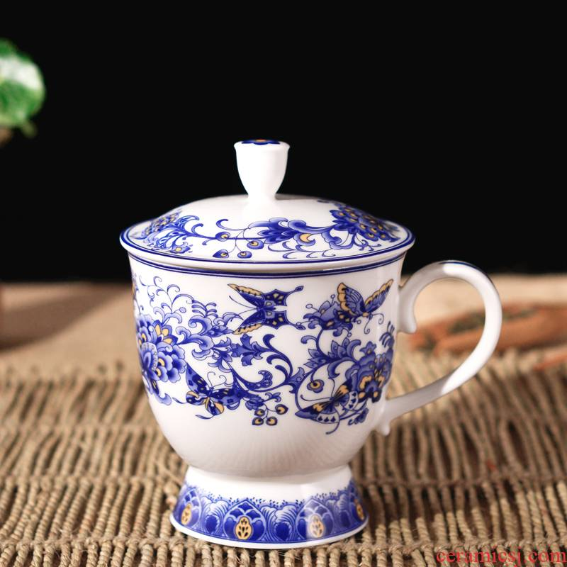 Jingdezhen porcelain, ipads China water glass ceramic cups with cover the blue and white porcelain ms creative fashion a lovely gift