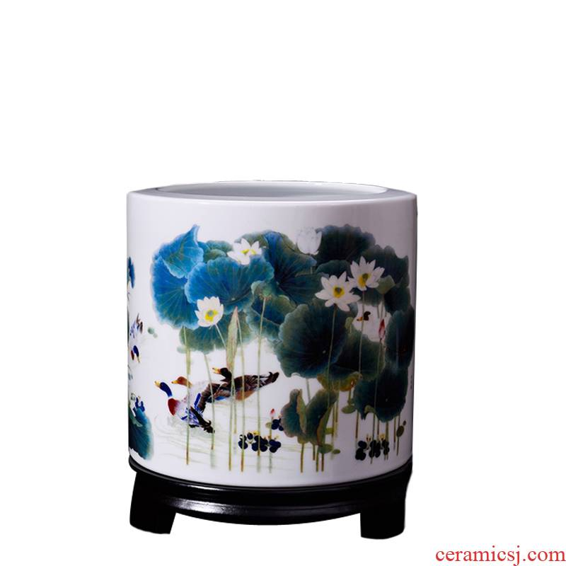 Study the desktop jingdezhen ceramic large hair brush pot new classic animal furnishing articles package mail office sitting room decoration